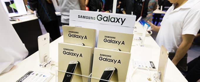 Das Smartphone für Einsteiger - Samsung bietet gleich vier Kameras