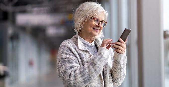 Was sollte ein Smartphone für Senioren können?