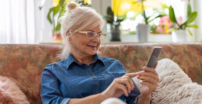 Smarthone für die ältere Generation: Ratgeber für Seniorenhandys